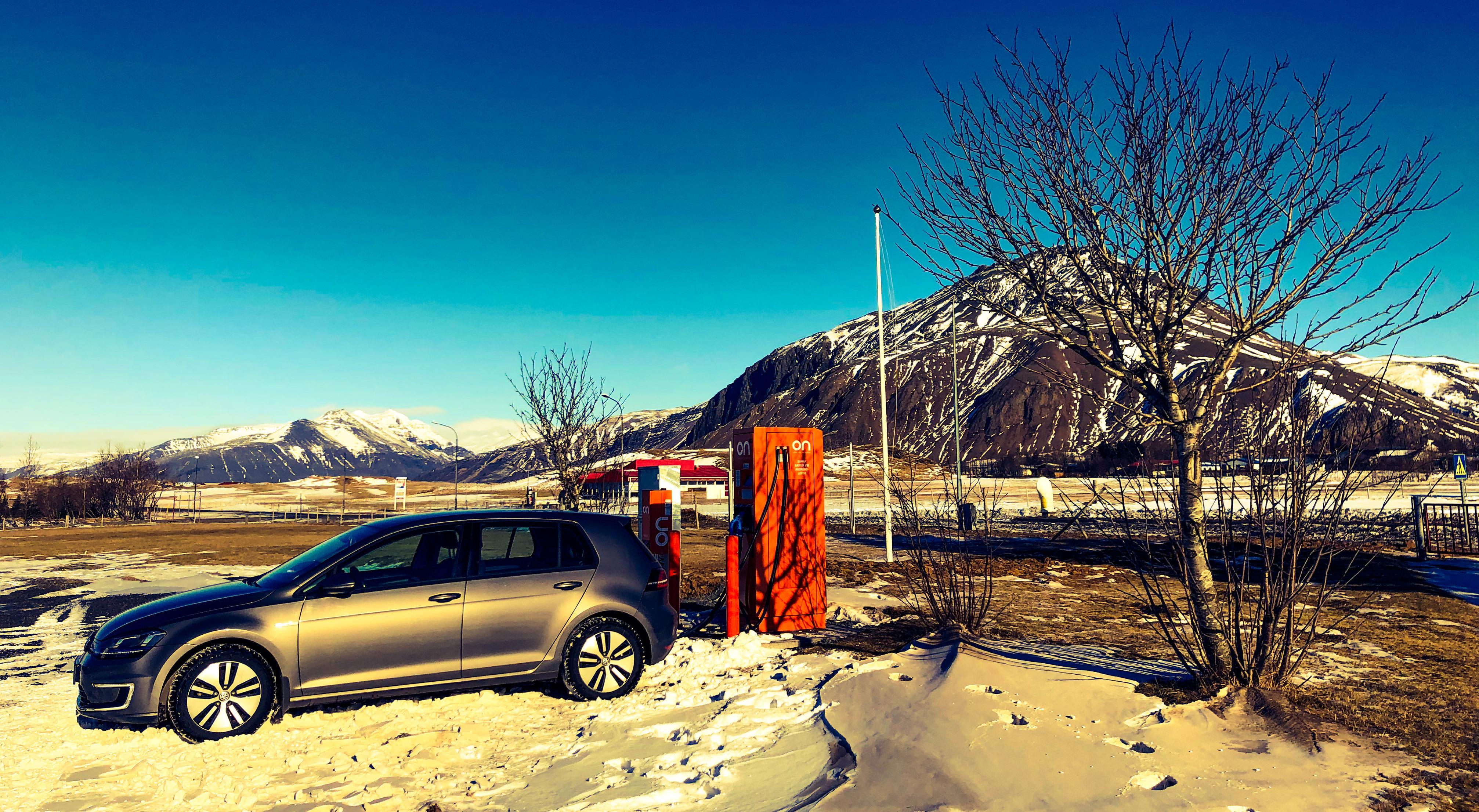 Mit dem Elektroauto rund um Island
